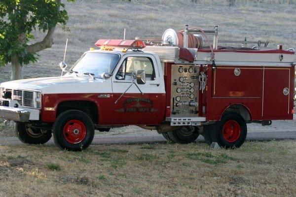 A 1986 GMC High Sierra 3500 Firetruck