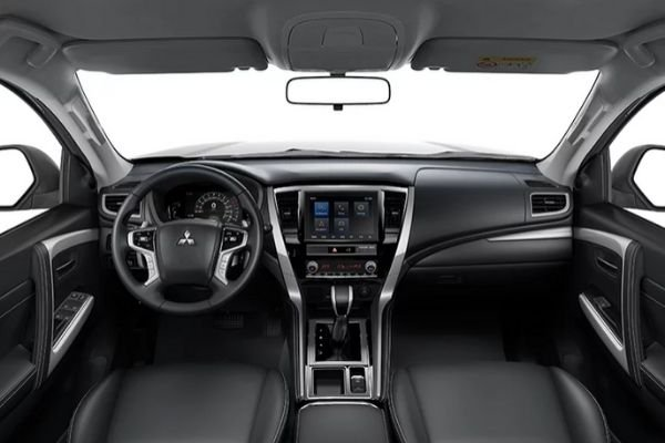 A picture of the interior of the Mitsubishi Montero Sport