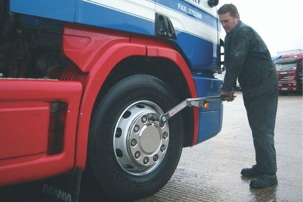 Industrial torque wrench