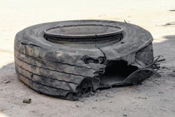 Tire blowout scenario