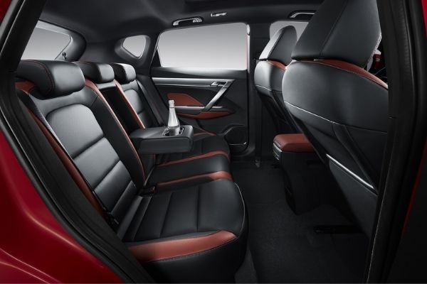 A picture of the rear seats of the Geely Coolray Sport
