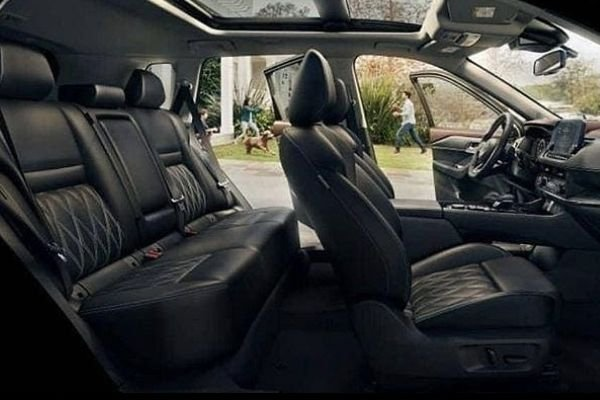 A picture of the Nissan X-Trail's new interior