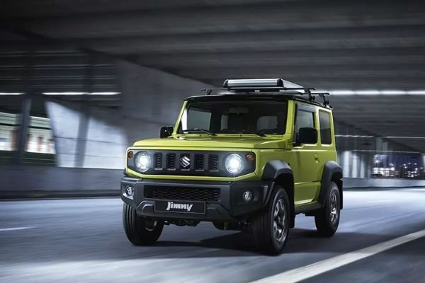 A picture of the Suzuki Jimny on the highway