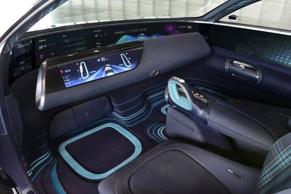 Hyundai Prophecy interior