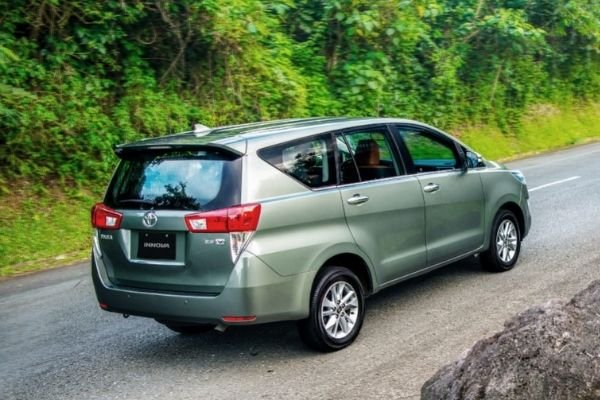 A picture of the Toyota Innova's rear