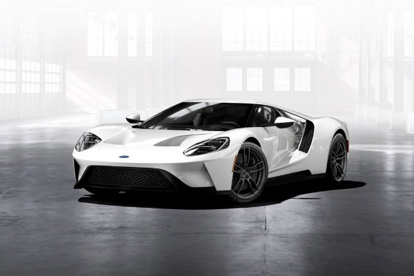 A white Ford GT
