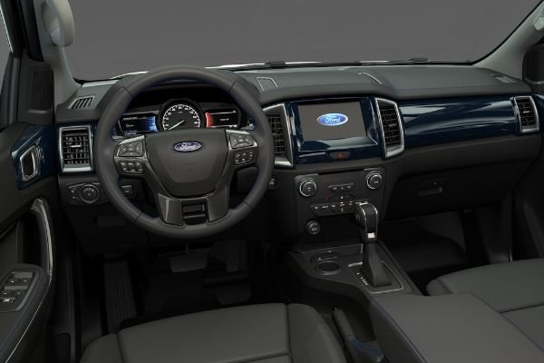 Ford Everest Sport cockpit