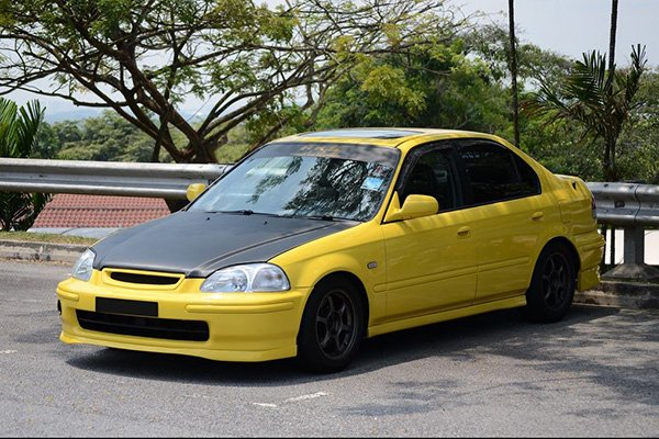 A picture of a Honda Civic SiR from Indonesia. Photo taken by flickr user: nighteye.