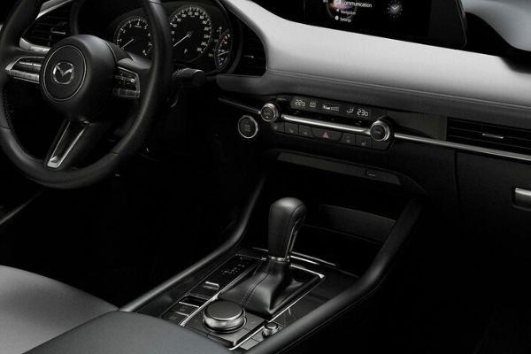 Mazda 3 AT