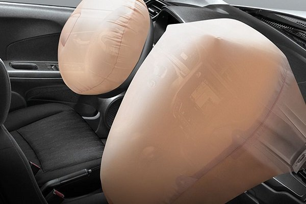 A picture of the Honda Mobilio's dual front airbags