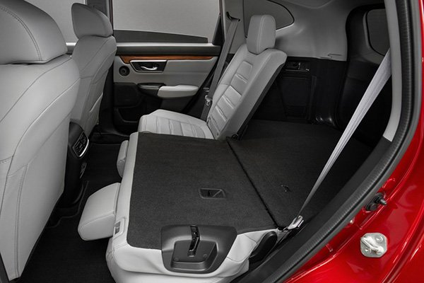 A picture of the second-row seats of the facelifted CR-V