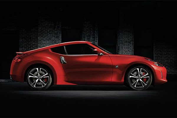 A picture of the side of the Nissan 370Z