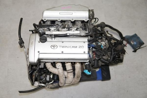 A picture of the legendary silvertop 4A-GE engine