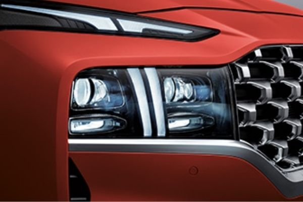 The T-shaped daytime running lights (DRL)