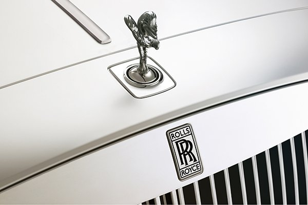 A picture of the hood of a Rolls-Royce