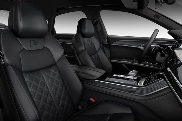 A picture of the interior of the Audi S8's interior.