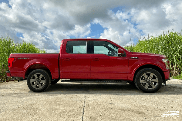 2020 Ford F-150 4x2 Lariat side