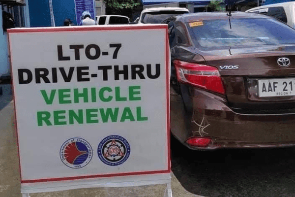 A drive-thru vehicle renewal in Central Visayas