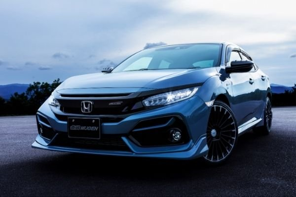 Front view of the customized Civic Hatchback