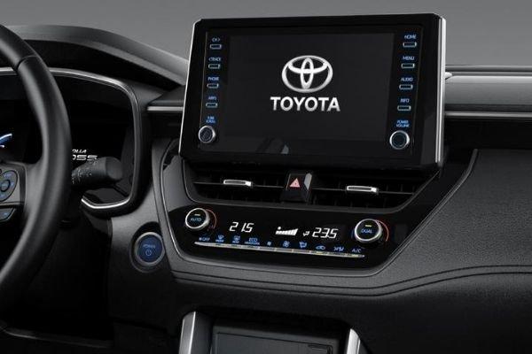 Corolla Cross touchscreen
