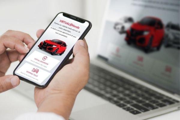Honda's virtual showroom on a phone
