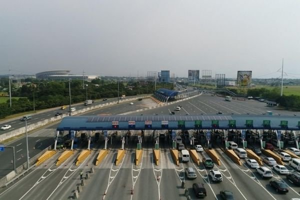 A view of NLEX tollgate