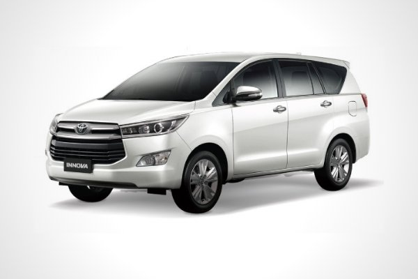 A picture of the Toyota Innova.