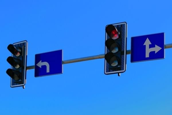 Traffic lights with LTO road signs
