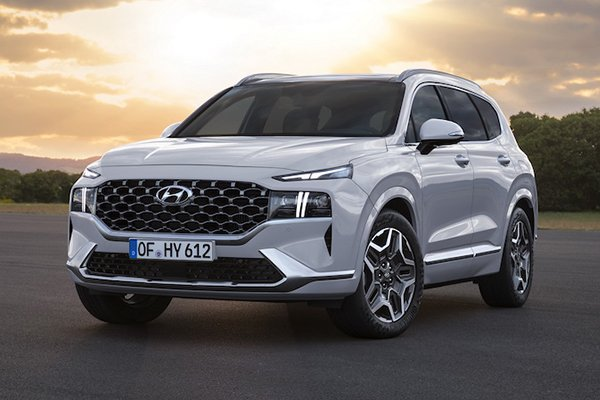 A picture of the front of the 2021 Hyundai Kona.