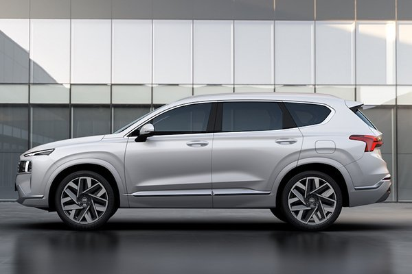 A picture of the side of the 2021 Hyundai Santa Fe