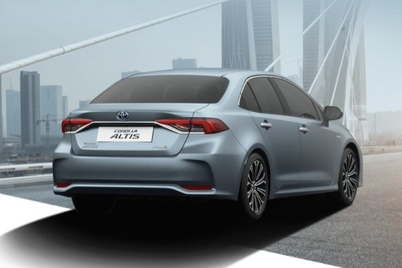 A picture of the rear of the Toyota Corolla Altis