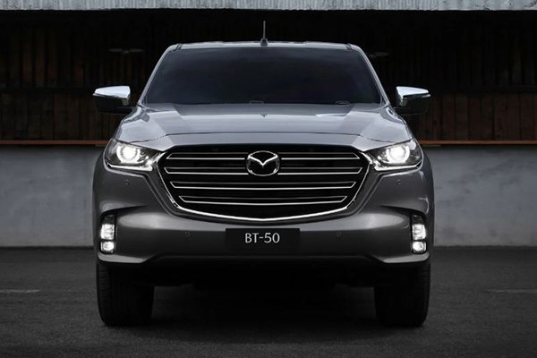 A picture of the front of the 2021 Mazda BT-50