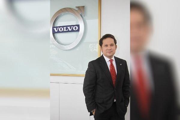 Atty. Arcilla with the Volvo logo