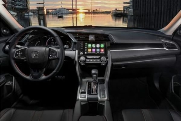 A picture of the interior of the Civic.