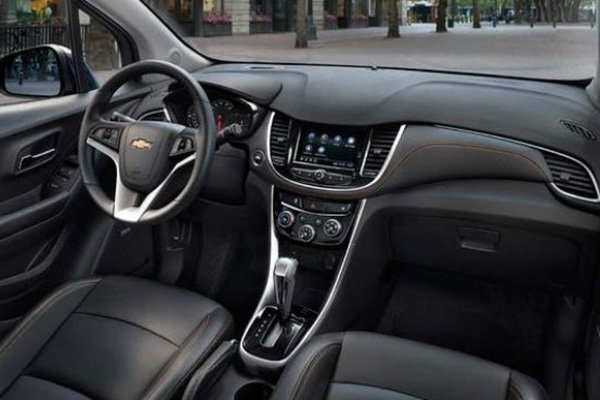 A picture of the interior of the Chevy Trax Premier.
