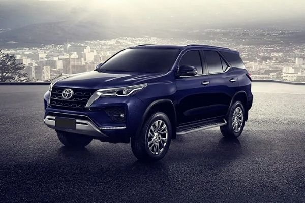 A picture of the updated 2021 Fortuner.