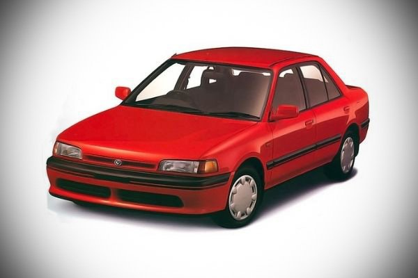A picture of the Mazda 323.
