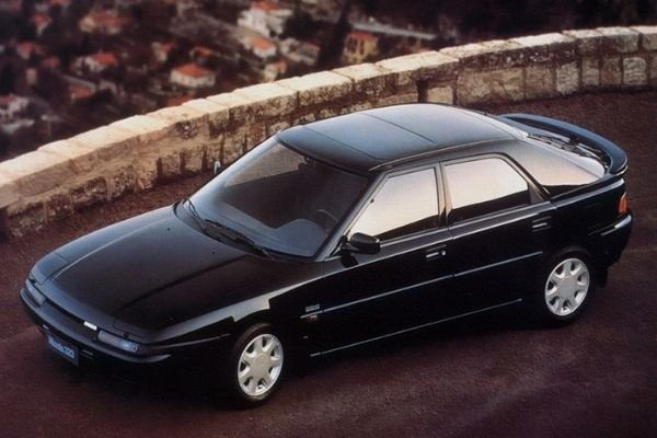 A picture of the Mazda 323F Astina