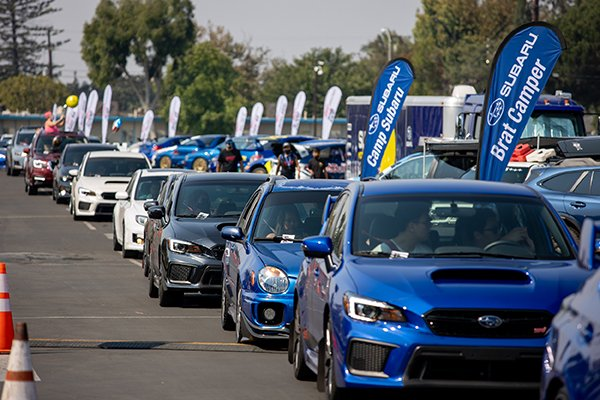 A picture of the Subaru Parade.
