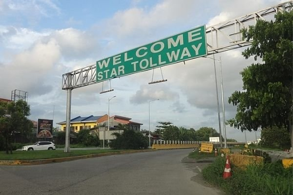 The Southern Tagalog Arterial Road (STAR Tollway)