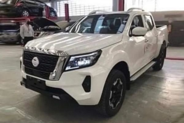 A white Nissan Navara that could be the model for 2021