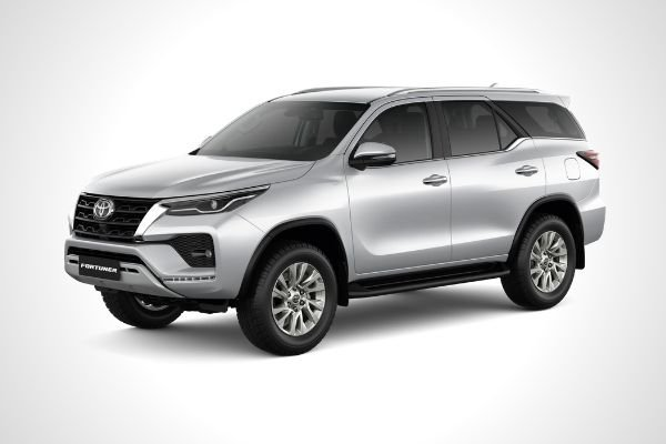 The Toyota Fortuner Q front view