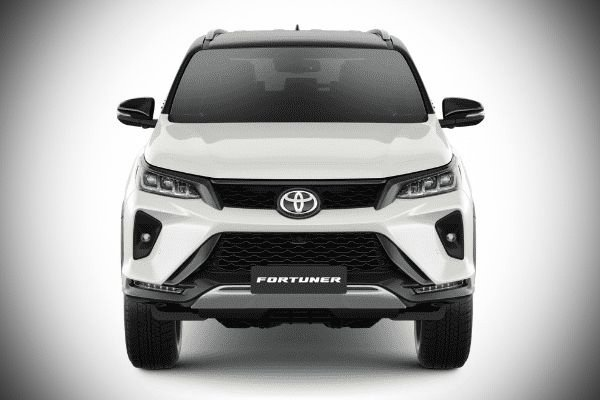 A picture of the front of the Fortuner LTD.