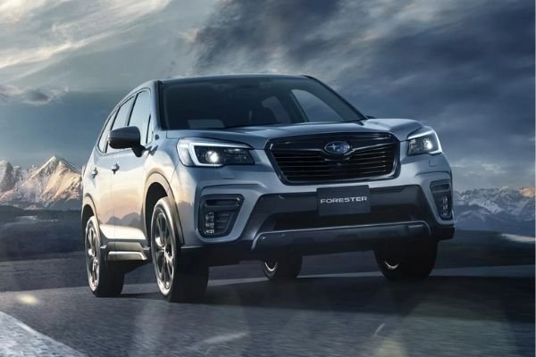 A picture of the front of the Forester Sport.