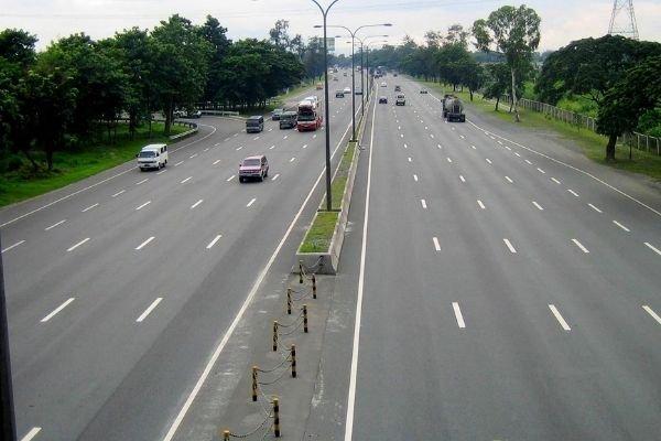 The South Luzon Expressway (SLEX)