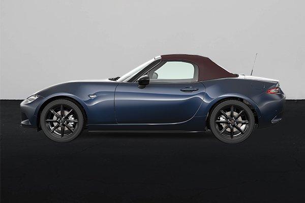 2021 Mazda MX-5 side