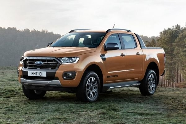 A picture of the Ford Ranger Wildtrak parked in the wilderness