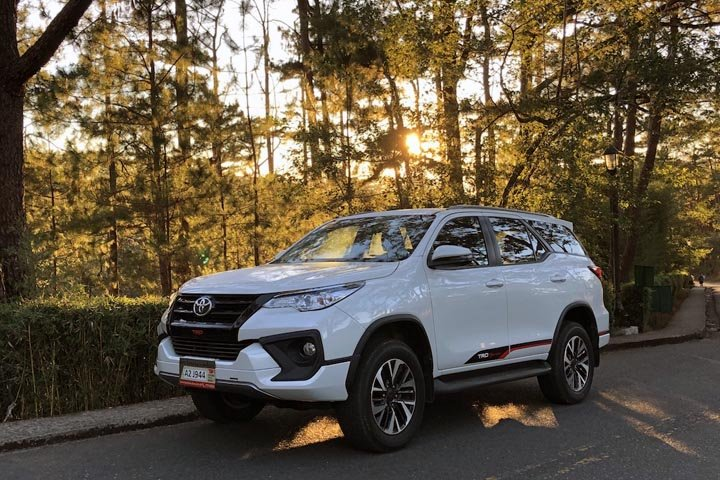 Despite the versatility of the paddle shifters, the Toyota Fortuner 2019's 2.4-liter four-cylinder turbo diesel is only good