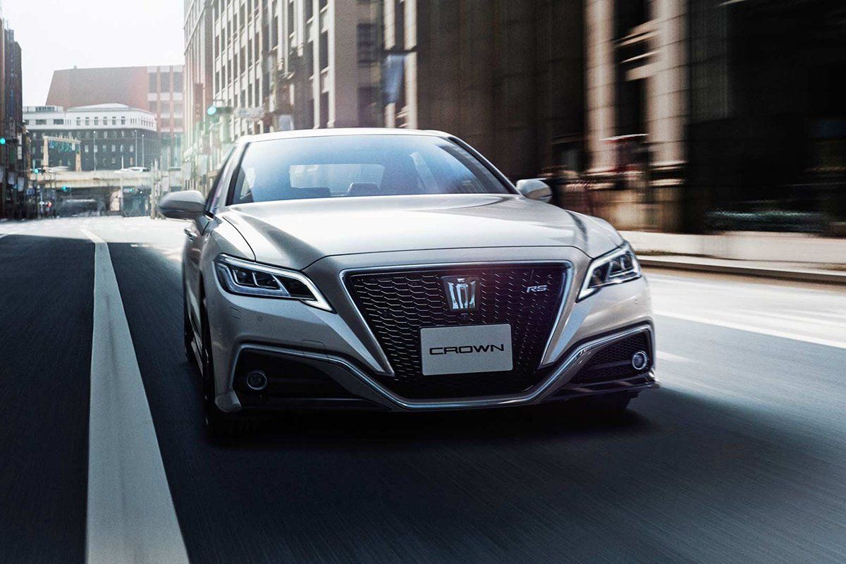 A picture of the current Toyota Crown