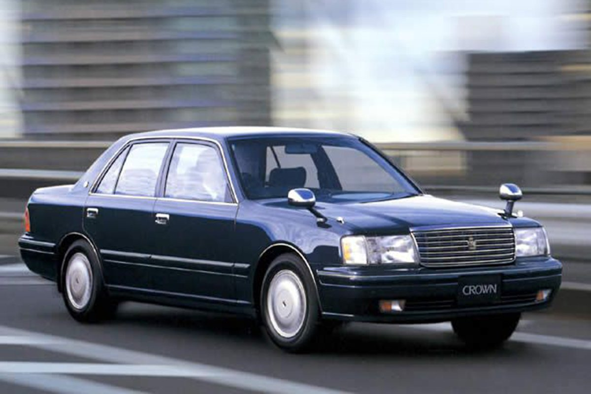 A picture of a Toyota Crown on the road